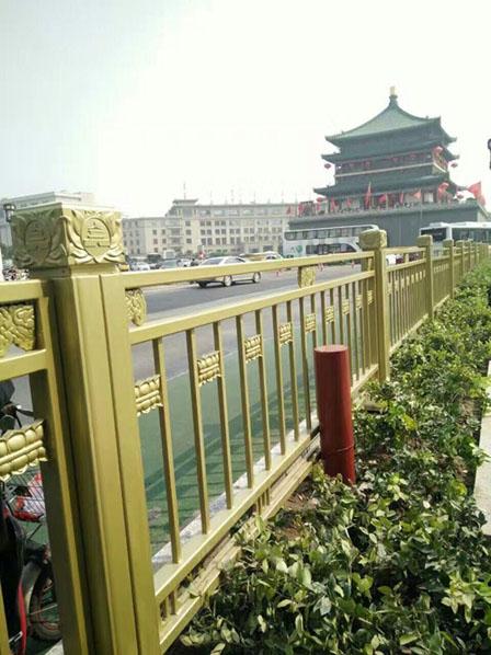 西安钟楼护栏金属氟碳漆效果图片